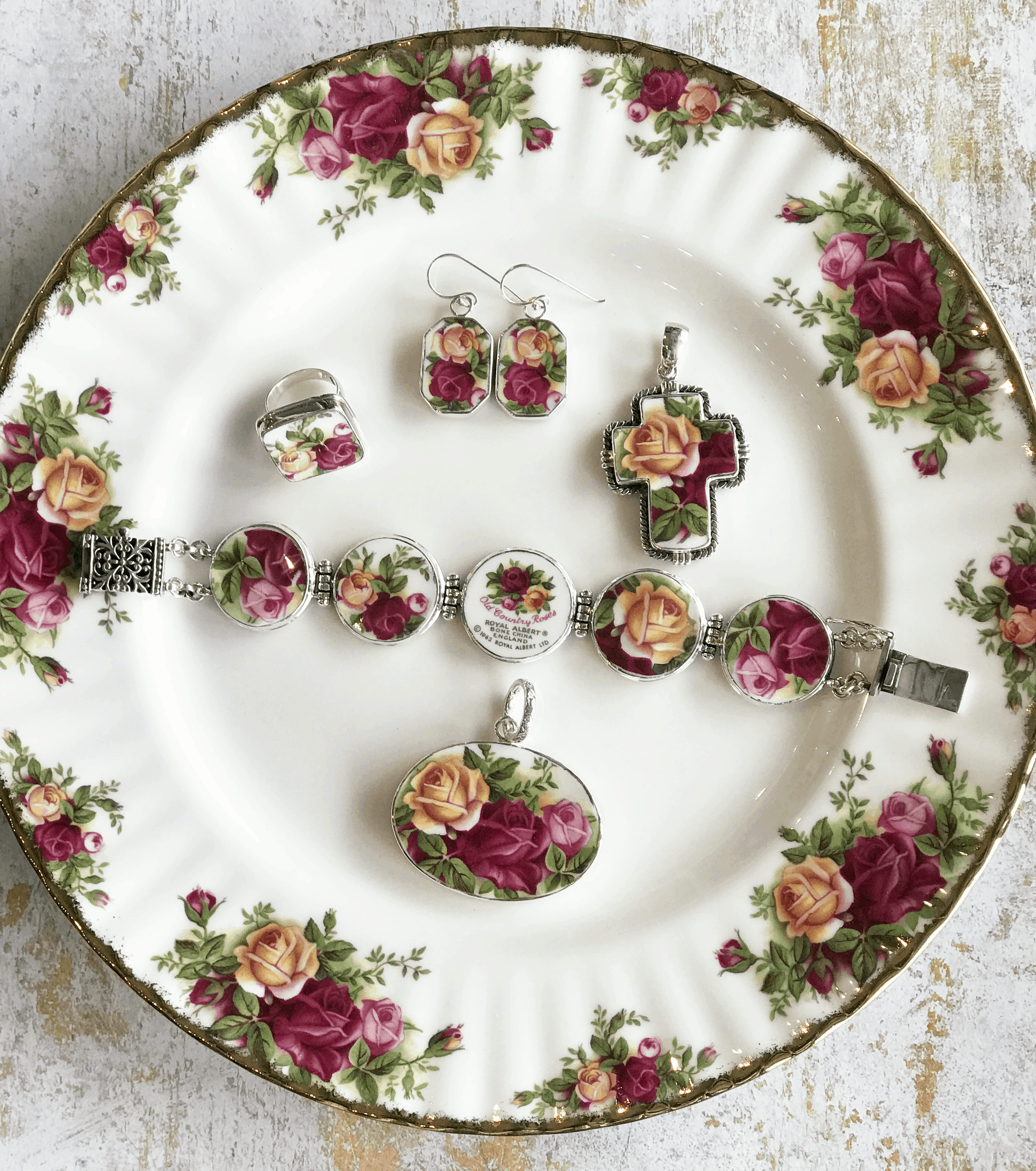 Old Country Roses Jewelry